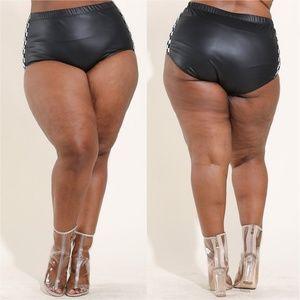 Pants - NEW P/U CHECKERBOARD BOOTY SHORTS BLACK 123X